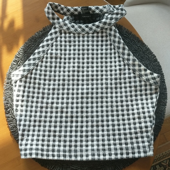 Forever 21 Tops - Forever 21 Gingham crop top